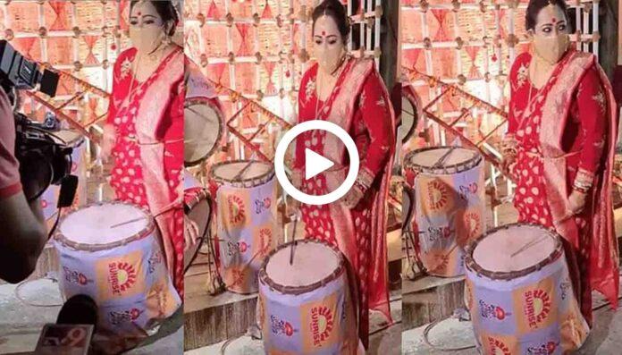 Aparajita Adhya Played Dhak on Sasthi